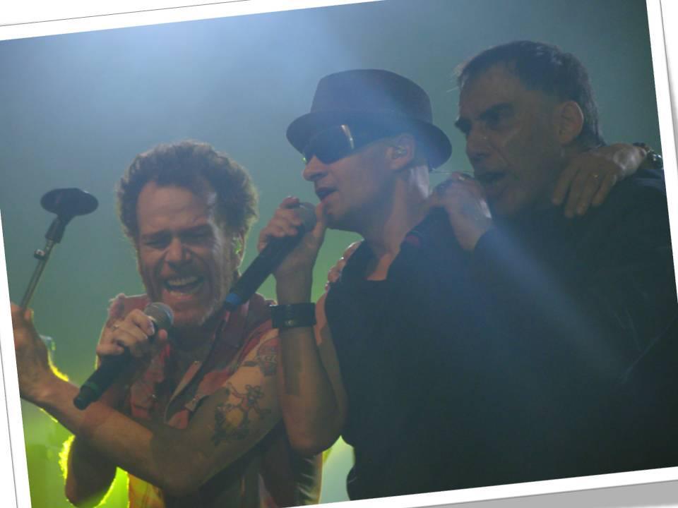 Noite de gala do rock brasileiro: show dos Titãs no Espaço das Américas (06/10)