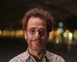 Nando Reis lança CD 'Voz e Violão'!